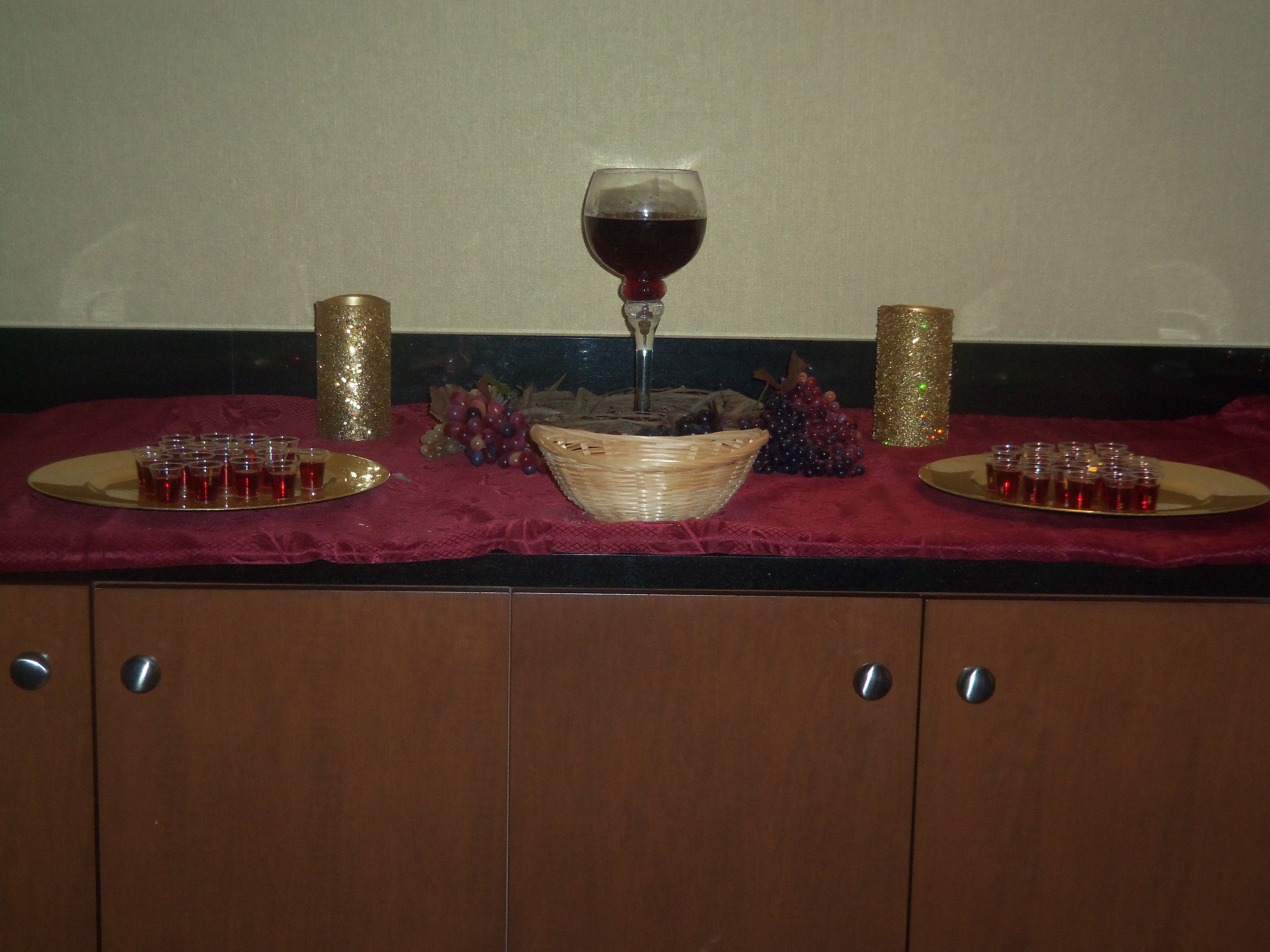 Ready to honor Christ with the Lord's Supper